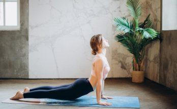 Accessoires-indispensables-pour-le-yoga